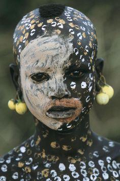 A beleza das Tribos Surma e Mursi, uma cultura em perigo, no sul de Etiópia 21