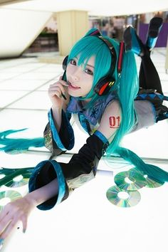 Future, Futuristic Look, Cosplay Girl, Futuristic Style, CD discs, Anime, headphones, Japan Girl, Blue Hair, Cosplay Costume