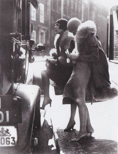 girls and cars of the 20s