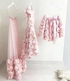 s Clothing Children's Clothing Gala Dresses, Party Wear Dresses, Girl Fashion, Fashion Dresses, Fashion Design, Formation Couture, Baby Dress, The Dress, 3d Rose