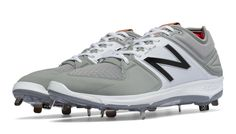 Low-Cut 3000v3 Metal Cleat, Grey with White