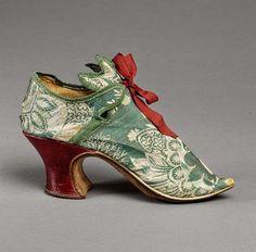 Zapato que perteneció a María Antonieta.