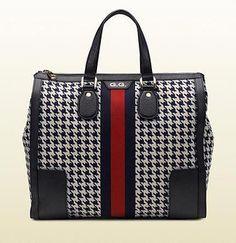 9dc0c3a55511 Classic Gucci bag.  Guccihandbags Classic Gucci Bag
