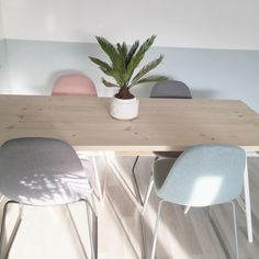 #kwantuminhuis Eetkamerstoel OSLO > https://www.kwantum.be/meubelen/stoelen @living_with_gaya