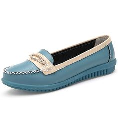 Women Casual Leather Shoes Colors Pointed Toe Flats Soft Sole Slip On Leather Loafer Shoes is cheap and comfortable. There are other cheap women flats and loafers online. Casual Leather Shoes, Leather Loafer Shoes, Leather Moccasins, Women's Shoes, Mode Shoes, Flat Shoes, Loafers Online, Shoes Online, Clarks