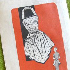 Vintage Sewing Pattern Mail Order 9117 Bib by SelvedgeShop Apron Patterns, Vintage Sewing Patterns, Clothing Patterns, Sewing Crafts, Sewing Projects, Modern Aprons, Fashion Through The Decades, Apron Sewing, Bib Apron