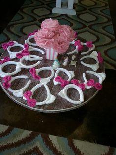 Aristocat themed birthday party...17 Marie cat ears crochet