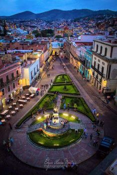 One of many charming squares in Guanajuato, Mexico Wonderful Places, Great Places, Beautiful Places, Vacation Places, Places To Travel, Places Around The World, Around The Worlds, Living In Mexico, Mexico Culture