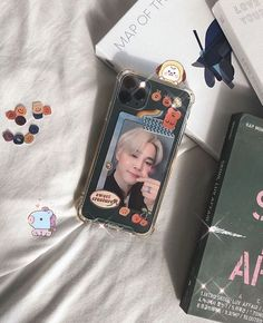 Kpop Phone Cases, Diy Phone Case, Cute Phone Cases, Phone Covers, Iphone Cases, Pink Wallpaper Ios, Aztec Wallpaper, Cellphone Wallpaper, Screen Wallpaper