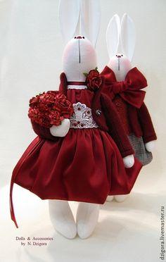 Влюблённые кролики. День Св. Валентина - праздник любви, романтики, цветов и пылких признаний. Это ещё один чудесный повод провести вечер в романтичной праздничной атмосфере, услышать искренние слова любви, получить или приподнести подарок.