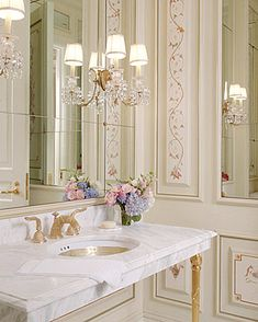 Eye For Design: Decorating Traditional, Old World Style Powder Rooms Powder Room Small, French Country Decorating, Decor, Pretty Bathrooms, Old World Style, Bathroom Decor, French Country Bathroom, Beautiful Bathrooms, Elegant Bathroom