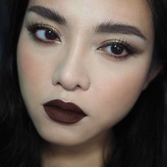 My favorite shade from @inglotsingapore's new HD Lip Tint Matte has got to be #18, the deep dark bittersweet-chocolate brown. Also worn: #MAC Pro Longwear Shadow Stick in Bitter Clove #INGLOT's new AMC Pure Pigment Eye Shadows in 22 a bronze-taupe,...