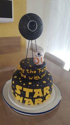 Star Wars Torte Totesstern Fondant  Torte  Star Wars Cake Fondant, Star Wars Cake, Birthday Cake, Desserts, Food, Pies, Tailgate Desserts, Deserts, Birthday Cakes