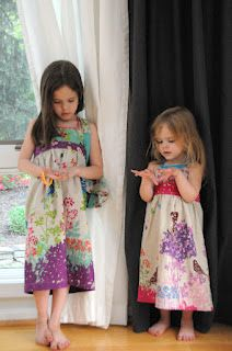 DIY Super Easy Dress. Plus links to 10 charming tutorials. There are some really cute projects.