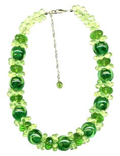 Green bubbles Green Bubble, Bubbles, Beaded Necklace, Jewelry, Beaded Collar, Jewlery, Pearl Necklace, Jewerly, Schmuck