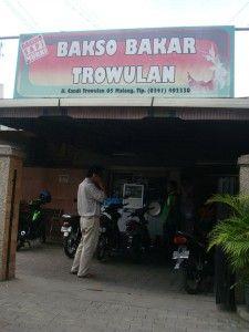 """Wisata Kuliner Malang Raya"" Bakso Bakar Trowulan Terletak di Jalan Candi Trowulan Malang"