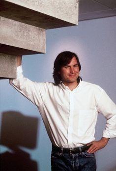 Steve Jobs Rarities Steve Jobs Steve Wozniak, Steve Jobs Photo, All About Steve, Steve Jobs Apple, Black Friday Shopping, Bill Gates, Signature Style, Role Models, People