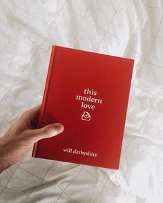 This modern love by Will Darbyshire. 'Question 1. What would you say to your ex, without judgement?' Posting a series of questions via his YouTube, Twitter and Instagram channels, the author asked his followers to share their innermost thoughts about their relationship experiences. This book collects these letters together to form a compendium of 21st century love.