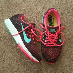 3185441be5 Nike Structure 18+ Nike running shoes (pink