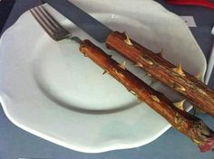 A way to lose weight is now in your hands. Here's the ideal cutlery for those who wish to lose weight and don't want to handle the painful. Diet Recipes, Healthy Recipes, Healthy Eats, Knife And Fork, Diet Humor, Diet Motivation, Ways To Lose Weight, Loose Weight, Paleo Diet