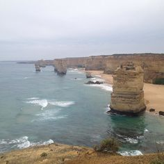 죽기전에 가봐야 할 곳 보다는 무너지기 전에 가봐야 할곳 #greatoceanroad  #12apostles  #australia by omadeus http://ift.tt/1ijk11S