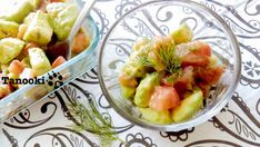 Mellow tomato and avocado with dill's herbal aroma makes your heart melt, and you'll bring another bite before you know it!