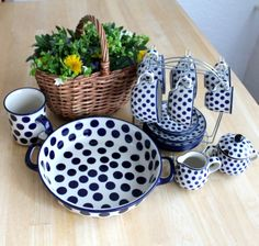 Every piece is used regularly and is sooo beautiful, we never regret that we got this set! Polish pottery :) ポーランド 器