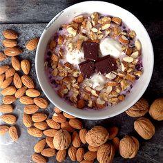 My Casual Brunch: Papas de aveia com iogurte, chocolate e frutos sec...