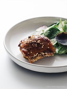 A healthy alternative for take out at home: easy oven-baked sesame chicken thighs. Oven Baked Sesame Chicken Recipe, Chicken Recipes, Chicken Meals, Recipe Chicken, Turkey Recipes, Chicken Thighs, Quick Meals, A Food, Delish