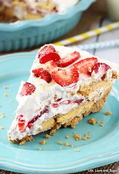 No Bake Strawberry Lemon Cookie Pie - light, refreshing and SO easy to make