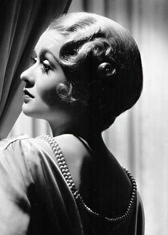 Constance Bennett by George Hurrell. Old Hollywood Movies, Hollywood Icons, Old Hollywood Glamour, Golden Age Of Hollywood, Vintage Glamour, Vintage Hollywood, Hollywood Stars, Vintage Beauty, Classic Hollywood