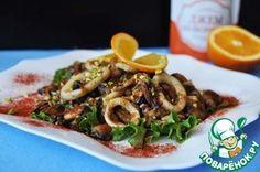 Тёплый салат из морепродуктов с апельсиновым соусом