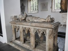 Inside FitzAlan Chapel Arundel Castle, The Beautiful Country, Effigy, 16th Century, Wood Carving, Entryway Tables, Cathedral, England, History