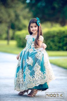 New Pictures of Cutest and Youngest Pakistani/American 4 years Old Model Miah Dhanani Baby Girl Images, Cute Baby Girl Pictures, Cute Girl Photo, Kids Dress Wear, Dresses Kids Girl, Baby Dress, Children Dress, Cute Toddler Girl Clothes, Toddler Girl Outfits