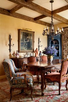 French Farm House Dining Room www.lindafloyd.com ~ LOVELY // #dining_room #decor #home_decor #interior #interior_design #luxury #room #beautiful