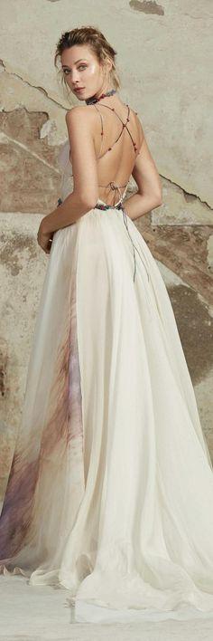 Rara Avis 2018 Wedding Dresses ROZAL 2 / http://www.deerpearlflowers.com/rara-avis-2018-wedding-dresses/