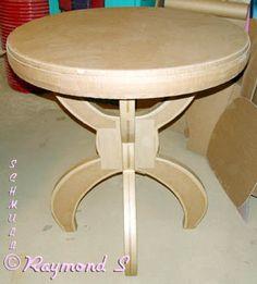 Table mange debout à quatre pieds