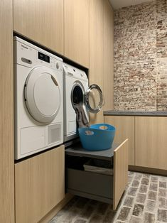 Küchen Design, House Design, Garage Laundry, Pantry Room, Modern Laundry Rooms, Dressing Room Design, Laundry Room Organization, Laundry Room Design, Wet Rooms