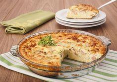Uma boa alternativa para acompanhamento, com baixas calorias e que fica uma delícia, a receita de omelete de fornoainda é uma opção muito econômica. Veja