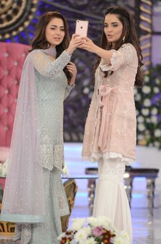 Armina khan and Hania amir Pakistani Formal Dresses, Pakistani Party Wear, Pakistani Wedding Outfits, Pakistani Couture, Pakistani Dress Design, Indian Dresses, Pakistani Sharara, Shadi Dresses, Lehenga Wedding