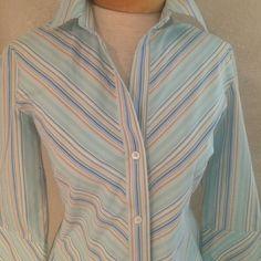 BANANA REPUBLIC top Blue stripe 3/4 length sleeve- 100% cotton SPRING TOP!!! Tops Button Down Shirts