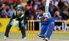 Indian Cricket captain Mahendra Singh Dhoni has won the 2013 ICC People's Choice Award.