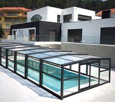 Abri haut de piscine télescopique et coulissant permet d'aménager autour du bassin, un espace de baignade confortable, agréable et de bien-être. Toulouse 31