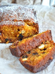 Carrot and Dates Cake The Not So Creative Cook is part of Carrots and dates You have to try this Carrot and Dates Cake super moist, the texture is perfect, not too sweet Of course, it is super d - 13 Desserts, Dessert Recipes, Brunch Recipes, Bolo Normal, Carrots And Dates, Kolaci I Torte, Food Cakes, Baking Cakes, Tea Cakes