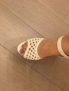 Delicious female feet Nylons, Tan Strappy Heels, Colombian Women, Foot Love, Hot High Heels, Gorgeous Feet, Sexy Toes, Female Feet, Heeled Mules
