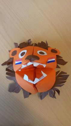 Different Seasons, Animal Crafts, 4 Kids, Craft Activities, Lions, Holland, Origami, Crafts For Kids, Paper Crafts