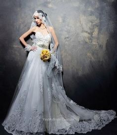 Ivory Vintage Lace Appliques Strapless Sweetheart Custom Wedding Dress