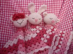 knuffeldoekjes haken - gratis Nederlands patroon (with link to English pattern)