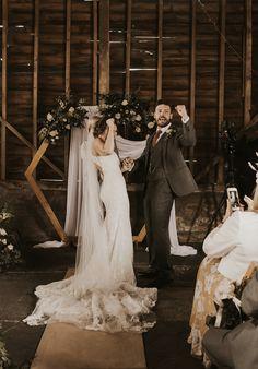 Martin Thornburg Brides, Wedding Dresses, Fashion, Bridal Dresses, Moda, Bridal Gowns, Wedding Gowns, Weding Dresses, The Bride