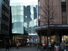 The second oldest Stockmann department store located in Tampere, Finland have been upgraded and extended to offer additional store area. The new faceted façade adds dimension and variation to the building, reflecting sunlight from reflective glass surface. The façade have been made of Pilkington Planar™ structural glazing system installed by Consti Julkisivut.